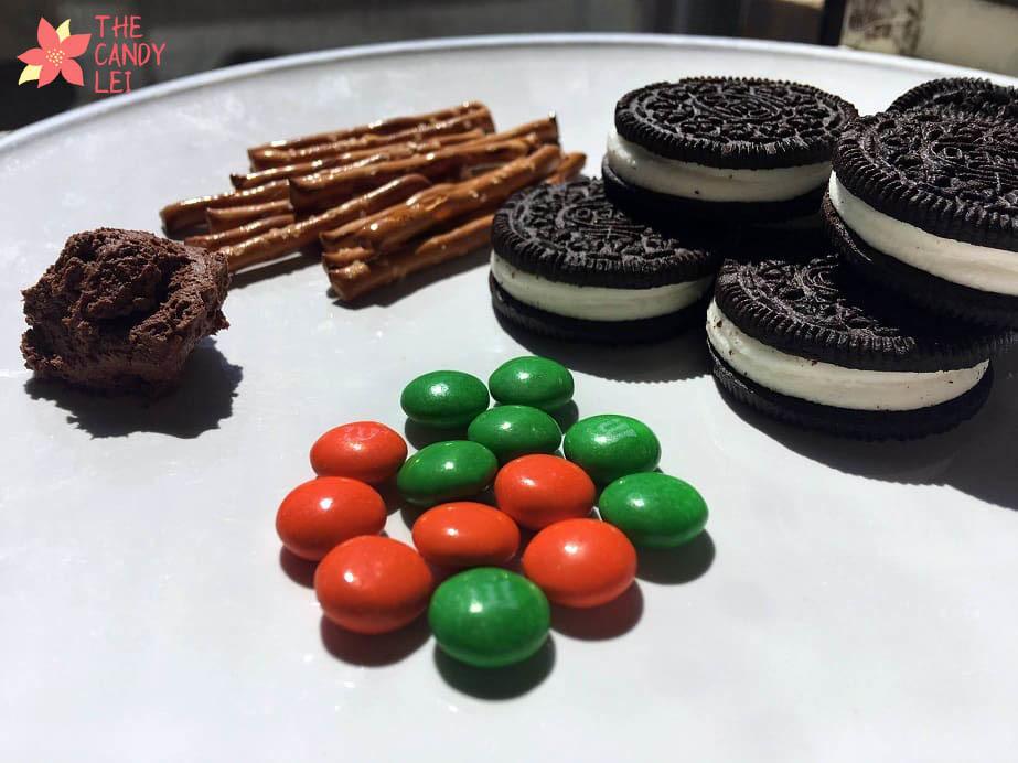 Ingredients t make halloween spider cookies