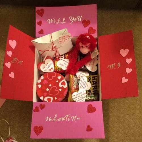 14 cute valentines day care packages for your loved one.
