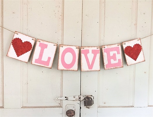 Love Valentine's Day Garland