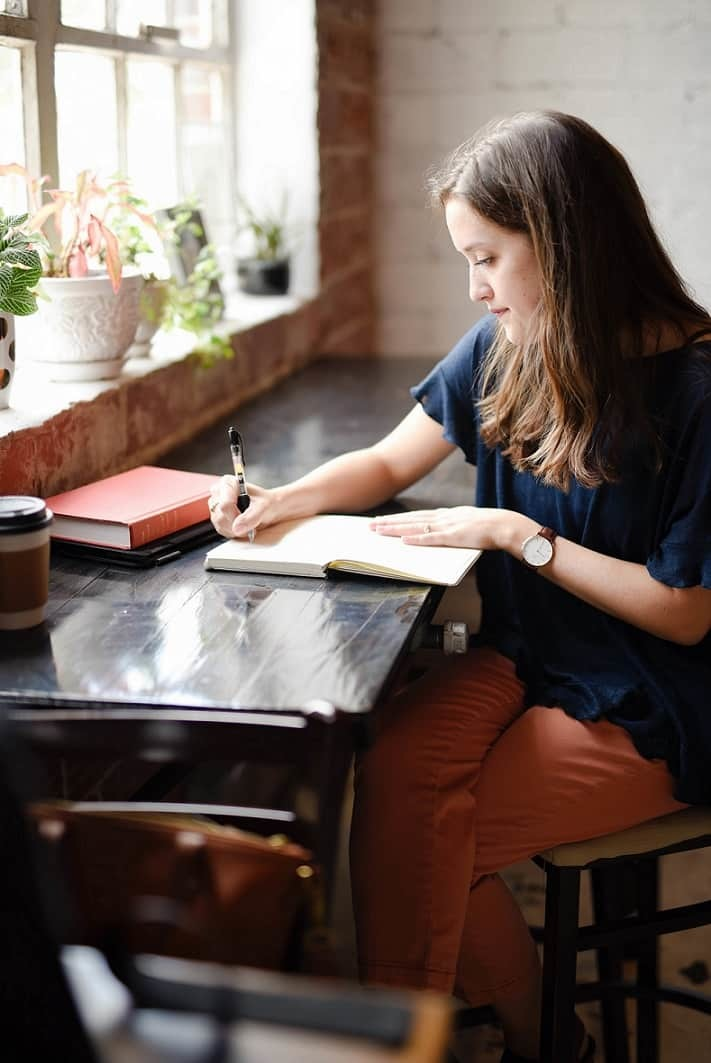 Take notes on the best books for introverts
